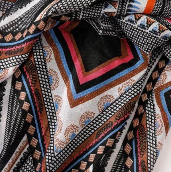 Šatka čierna s farebnými vzormi Decent | Apropoyou.sk