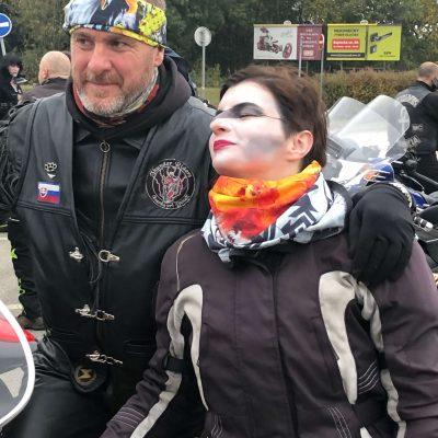 Motorkárska šatka žltá s orlom Yellow Eagle a červeno-biela Red Devil | Apropoyou.sk