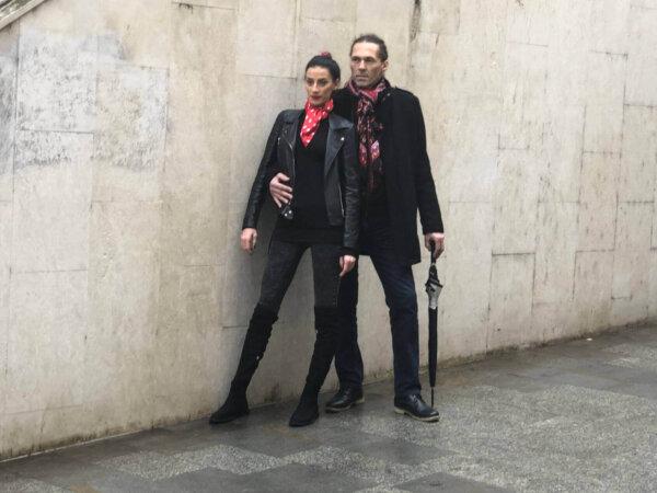 Šatka červená s bielymi botkami Polka Dot a červeno-čierna šatka Passion so vzorom | Apropoyou.sk